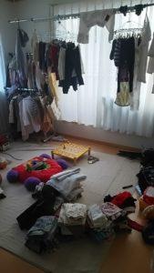 洗濯物を干す部屋